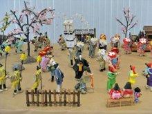 ☆道の駅で和紙人形教室作品「伊佐沢念佛踊り」を展示しています:画像
