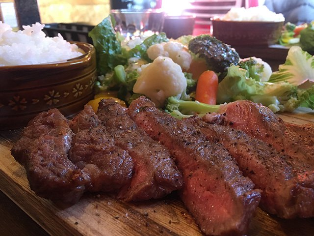 長井市《BBQ居酒屋えんじん》の牛さんランチ:画像
