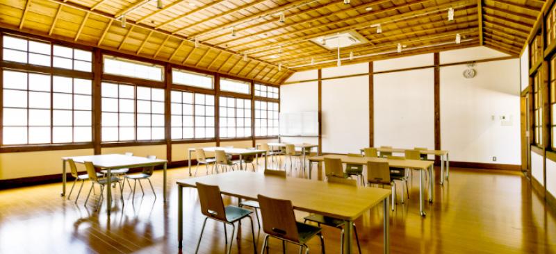 旧長井小学校第一校舎 学び・芸術ルーム