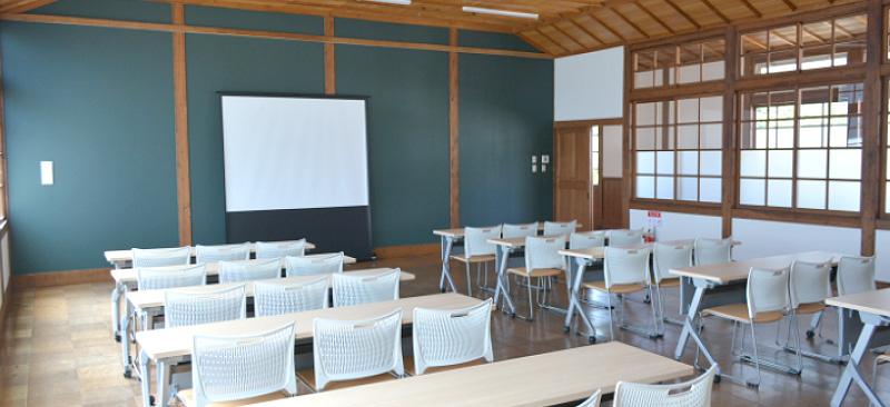旧長井小学校第一校舎 学び・交流ルーム